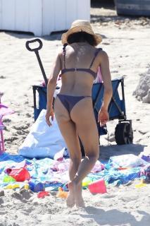 Jenna Dewan en Bikini [1068x1602] [313.92 kb]