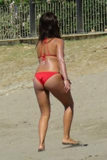 Mónica Cruz in Bikini [1198x1798] [334.21 kb]