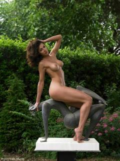 Jennipher Rodriguez [676x900] [102.18 kb]