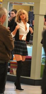 Megan Fox [634x1277] [185.31 kb]