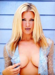 Caprice Bourret [563x768] [56.59 kb]