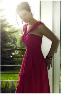 Laura Pausini [477x710] [39.02 kb]
