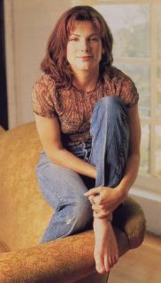 Sandra Bullock [669x1174] [111.82 kb]