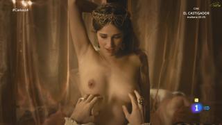 Ariana Martínez en Carlos Rey Emperador Desnuda [1920x1080] [193.33 kb]