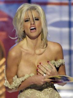 Anna Nicole Smith [596x800] [74.82 kb]