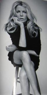 Kim Basinger [384x762] [30.97 kb]