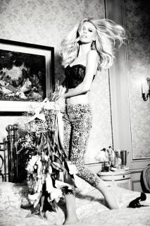 Claudia Schiffer [800x1200] [151.66 kb]