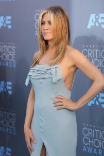 Jennifer Aniston [2100x3133] [350 kb]