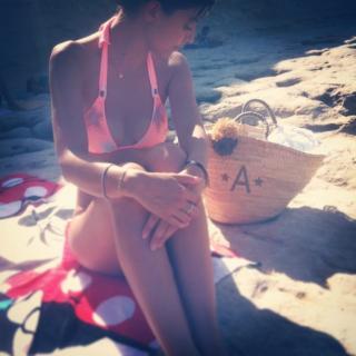Alessandra Mastronardi en Bikini [640x640] [69.03 kb]