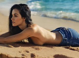 Oriana Sabatini in Topless [1080x788] [161.68 kb]