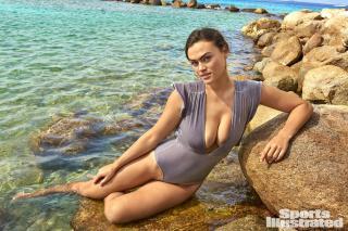 Myla Dalbesio en Si Swimsuit 2018 [1920x1280] [795.21 kb]