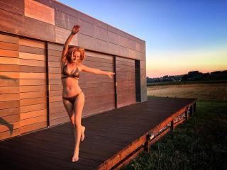 Paula Vázquez en Bikini [1080x810] [198.81 kb]