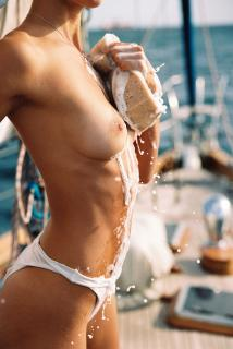 Johanne Landbo en Playboy Desnuda [1676x2500] [1363.54 kb]