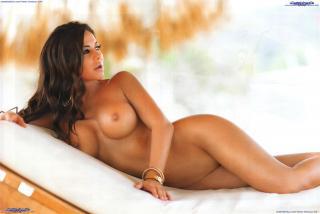 Julia Orayen en Playboy Desnuda [3200x2145] [736.14 kb]