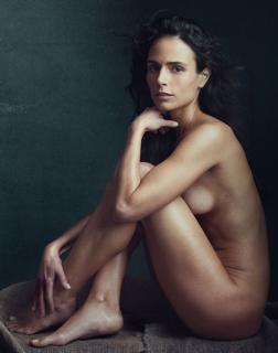 Jordana Brewster en Allure Desnuda [640x812] [79.29 kb]