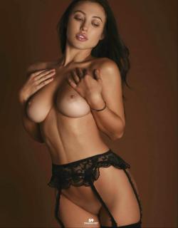 Stefanie Knight en Playboy Desnuda [1269x1624] [160.38 kb]