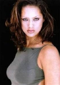 Lorraine Van Wyk [211x300] [9.69 kb]