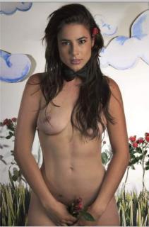 Carla Giraldo Desnuda [507x768] [41.06 kb]