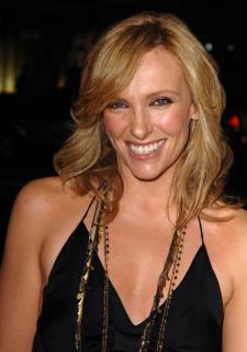Toni Collette [422x600] [37.88 kb]
