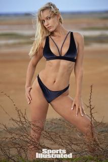 Paige Spiranac en Si Swimsuit 2018 [1280x1920] [436.29 kb]