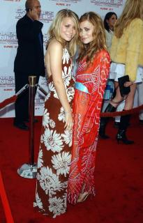 Mary-Kate y Ashley Olsen [600x933] [113.21 kb]