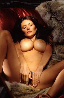 Aliya Wolf en Playboy [530x800] [72.73 kb]