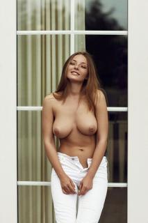 Olga Kobzar Desnuda [800x1200] [150.79 kb]
