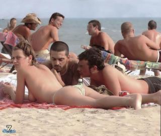 Claudia Pandolfi en Topless [850x718] [84.1 kb]