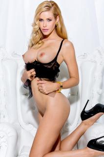 Kennedy Summers en Playboy Desnuda [800x1200] [171.05 kb]