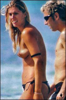 Francesca Piccinini en Topless [910x1378] [216.81 kb]