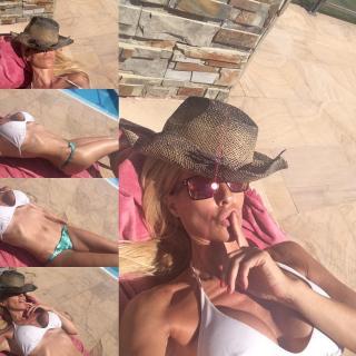 Maribel Sanz in Bikini [1080x1080] [231.73 kb]