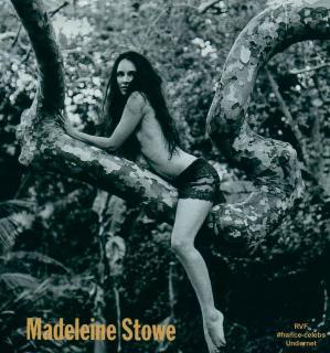 Madeleine Stowe [944x1009] [190.36 kb]