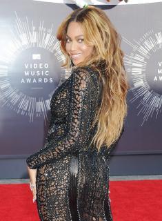 Beyoncé [800x1085] [294.38 kb]