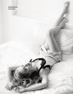 Amanda Seyfried en Vogue [740x956] [89.91 kb]