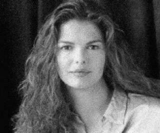 Jeanne Tripplehorn [325x270] [18.06 kb]