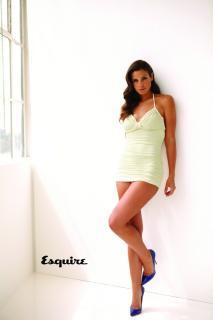 Ana Ayora en Esquire [640x960] [54.04 kb]