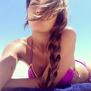 Melissa Jiménez in Bikini [640x640] [94.78 kb]