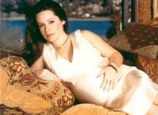 Holly Marie Combs [584x426] [47.18 kb]