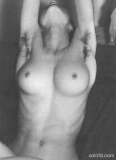 Madonna Nude [350x480] [16.05 kb]