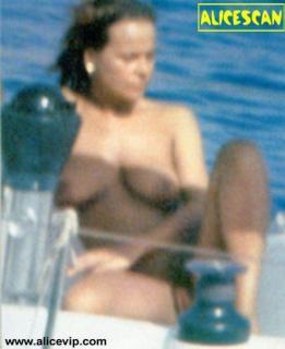 Laura Antonelli Desnuda [492x602] [46.86 kb]