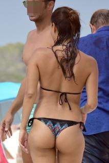Elisa Mouliaá en Bikini [463x694] [61.48 kb]