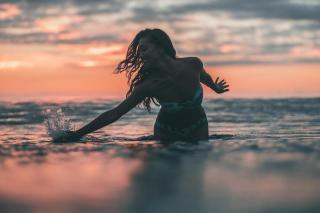 Natalia García Timofeeva en Bikini [1080x720] [86.23 kb]