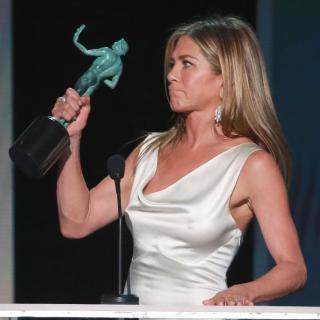 Jennifer Aniston [2048x2048] [325.07 kb]