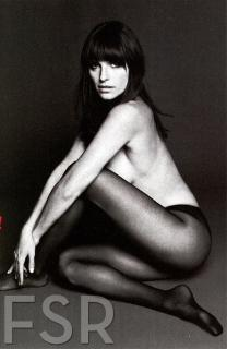 Lake Bell en Esquire [783x1200] [137.59 kb]