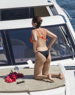 Selena Gomez [1102x1389] [224.55 kb]