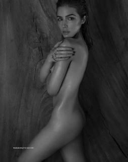 Olivia Culpo en Treats! Magazine Desnuda [999x1263] [171.18 kb]