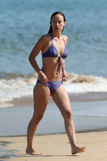 Olivia Wilde en Bikini [2000x3000] [569.36 kb]