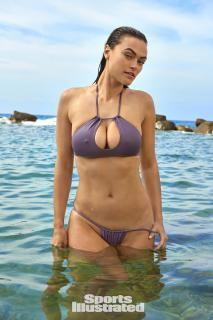 Myla Dalbesio en Si Swimsuit 2018 [1280x1920] [349.67 kb]