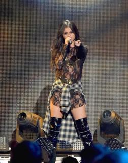 Selena Gomez [1260x1600] [765.4 kb]