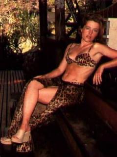 Gillian Anderson [299x400] [20.64 kb]
